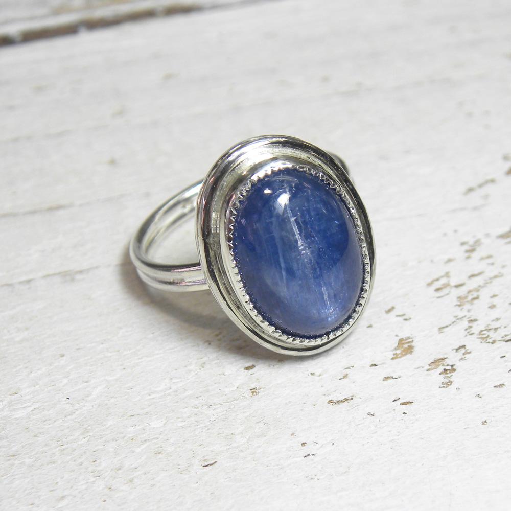 紺碧のカイヤナイトのシンプルリング